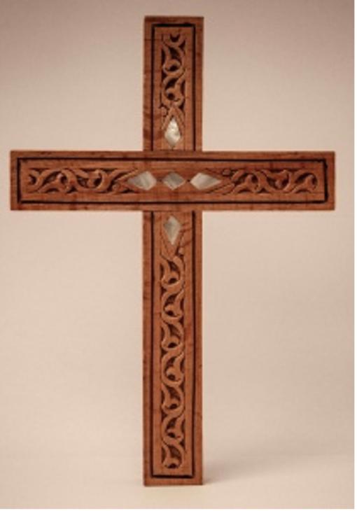 Croix en bois clair avec nacre