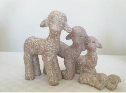 Crèche : moutons et agneau