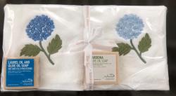 Lot de 2 serviettes éponge (33x33) et 2 savons parfumés hortensia bleu fonce et bleu clair